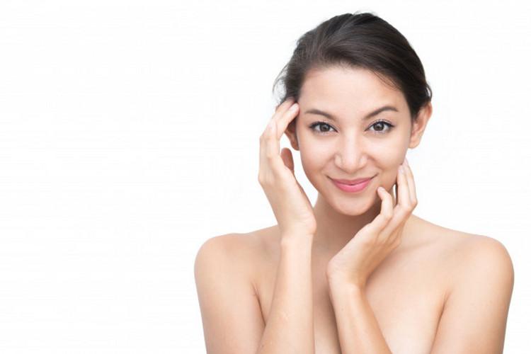 beautiful-asian-woman-face-portrait-beauty-skin-care-concept_42892-80